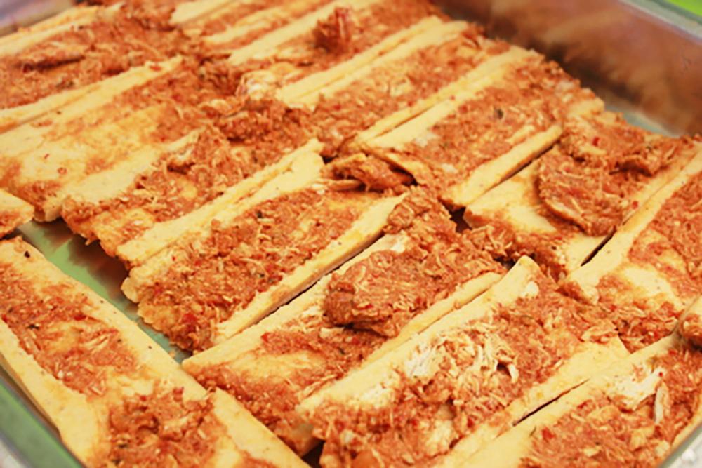 Tamale Pie Split shot in Pan