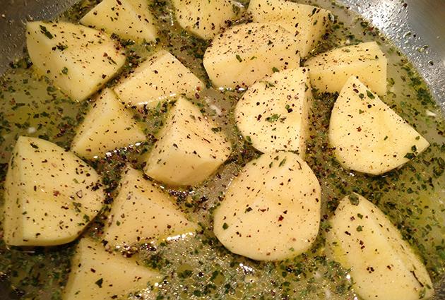 Roasted Greek Chicken And Potatoes In Lemon-Oregano Vinaigrette ...