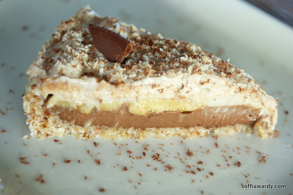 Coconut Banana Chocolate Pie-finished