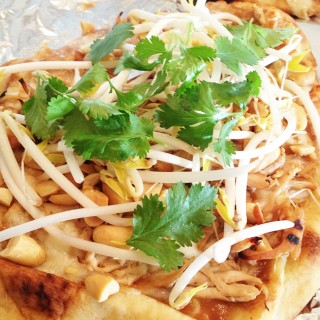 Thai Chicken Flatbread-Peanut Sauce