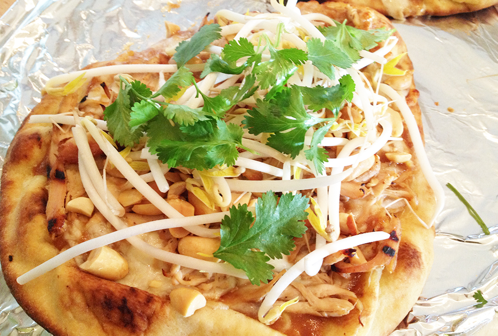 thai chicken flatbread pizza photo of thai chicken flatout thai pizza ...
