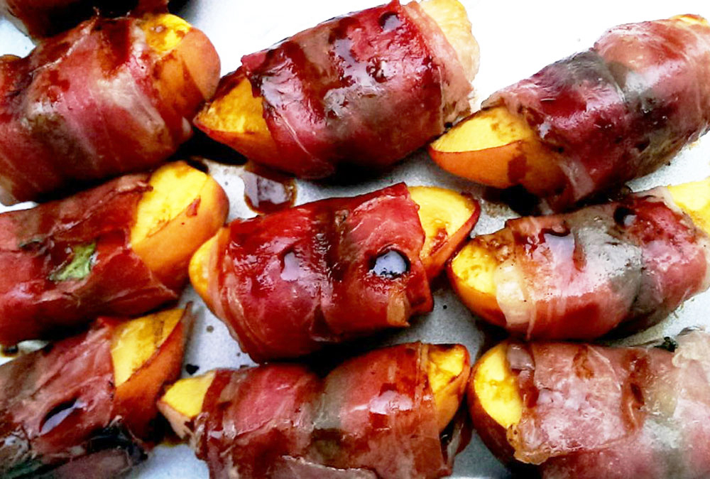 Prociutto-Wrapped-Grilled-Peaches-slider