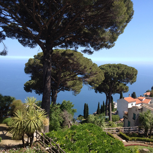 Ravello-Villa Rufulo featured